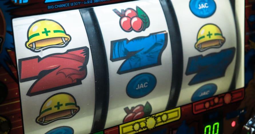 Los jugadores de póquer en efectivo reto de montaña por Microgaming